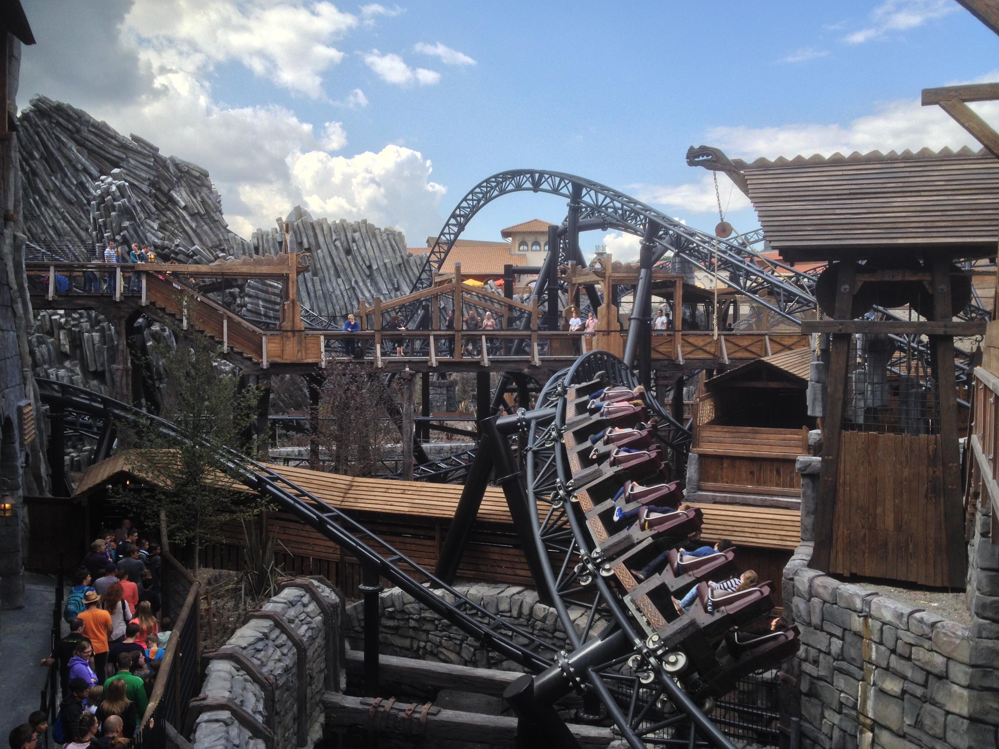 Phantasialand Taron attractie achtbaan pretpark