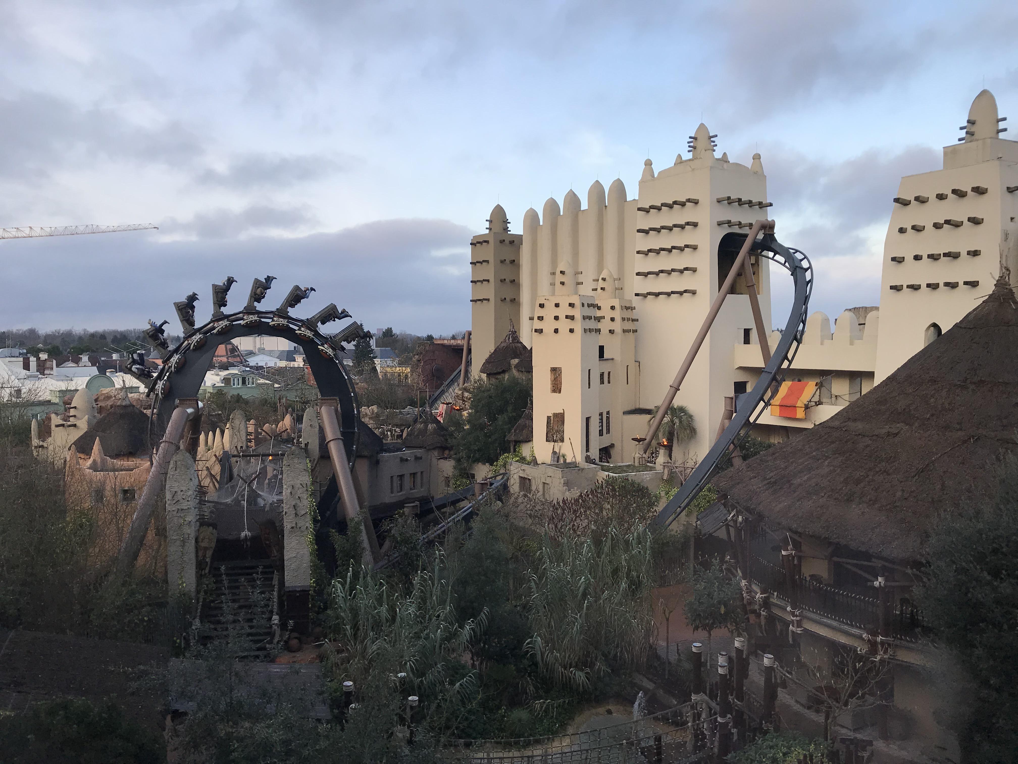 Phantasialand Black Mamba attractie achtbaan pretpark